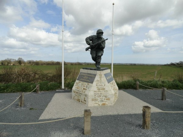 Lt. Richard Winters. Easy Company, 506th Parachute Infantry regt, 101st Airborne Division. New monument on Utah Beach