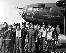 Memphis Belle B-17 bomber and her crew