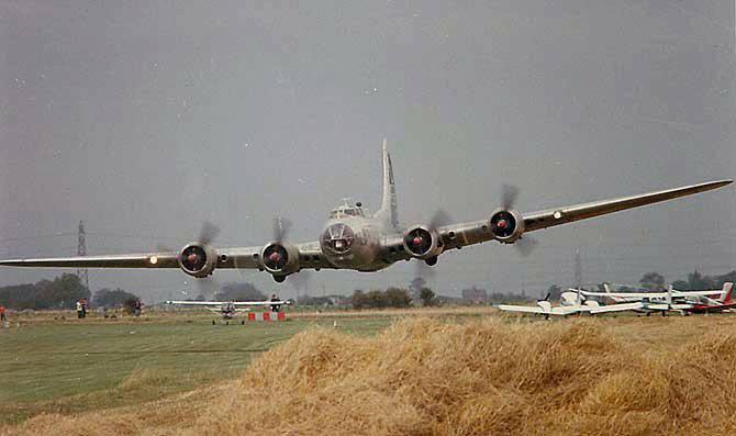 Memphis Belle type B -17 Bomber