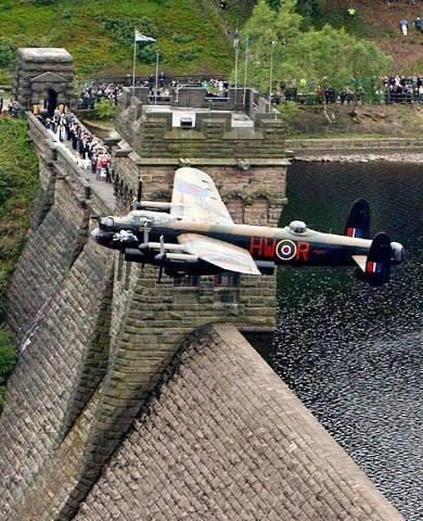 Dambusters raid operation chastise lancaster bombers
